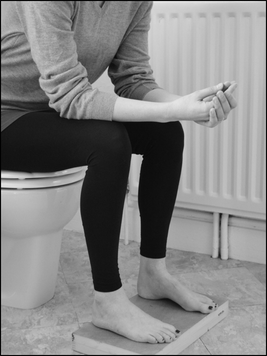 How to sit on the toilet to avoid prolapse - Physiotherapist advice