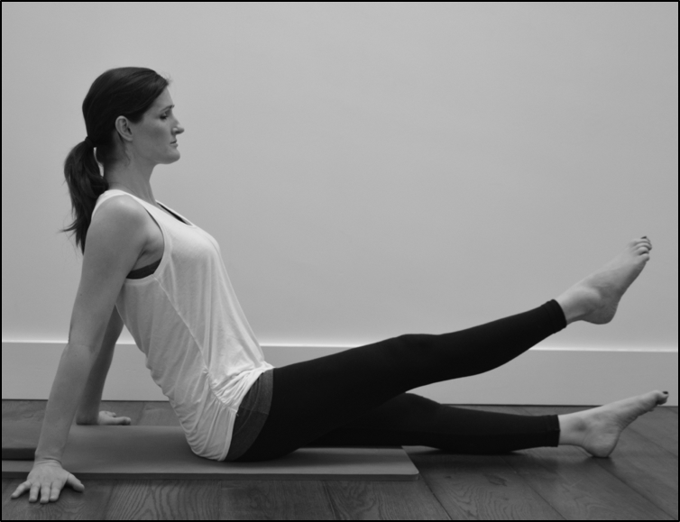 Thigh strengthening exercise for knee replacement