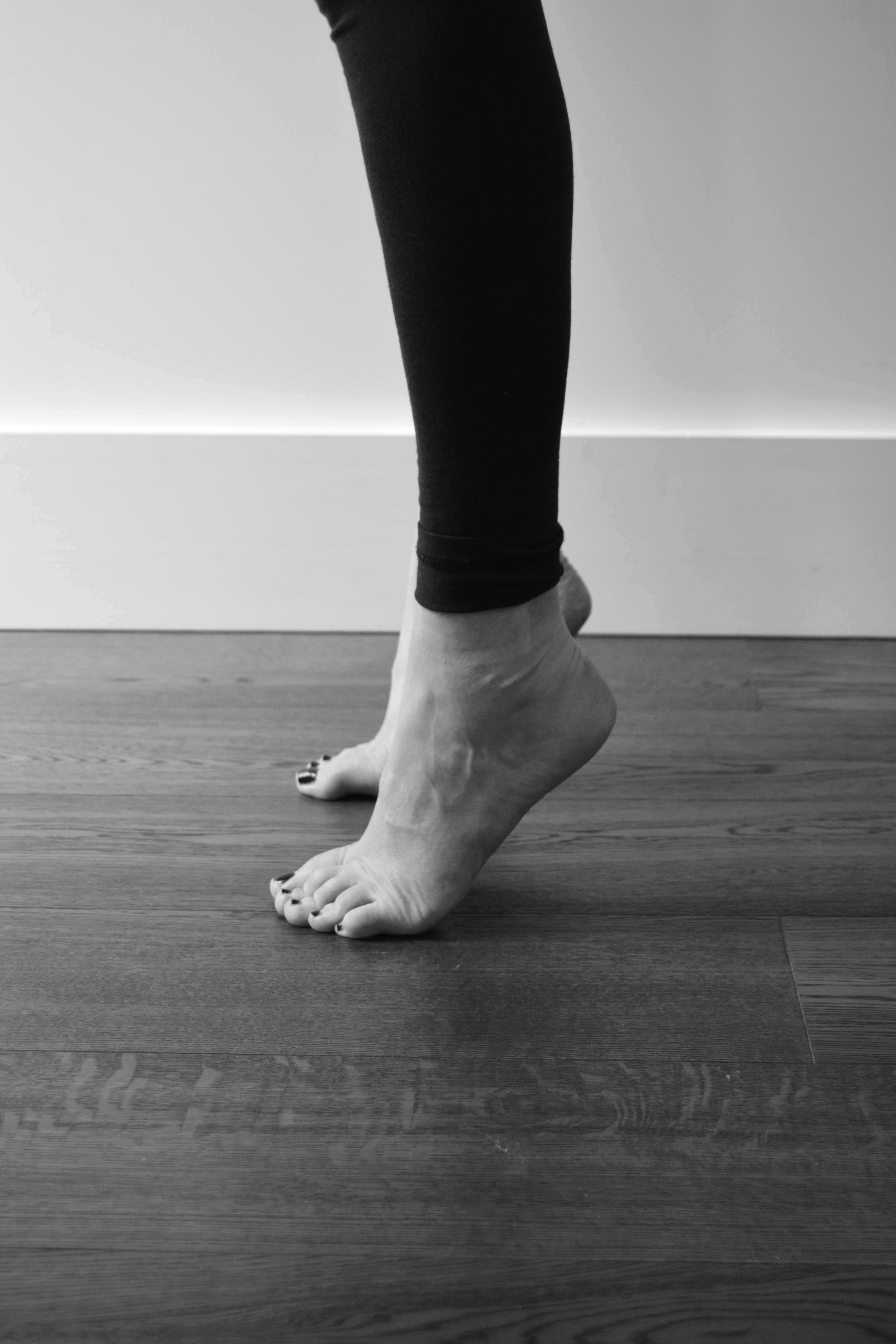 Isometric exercise for the achilles tendinopathy