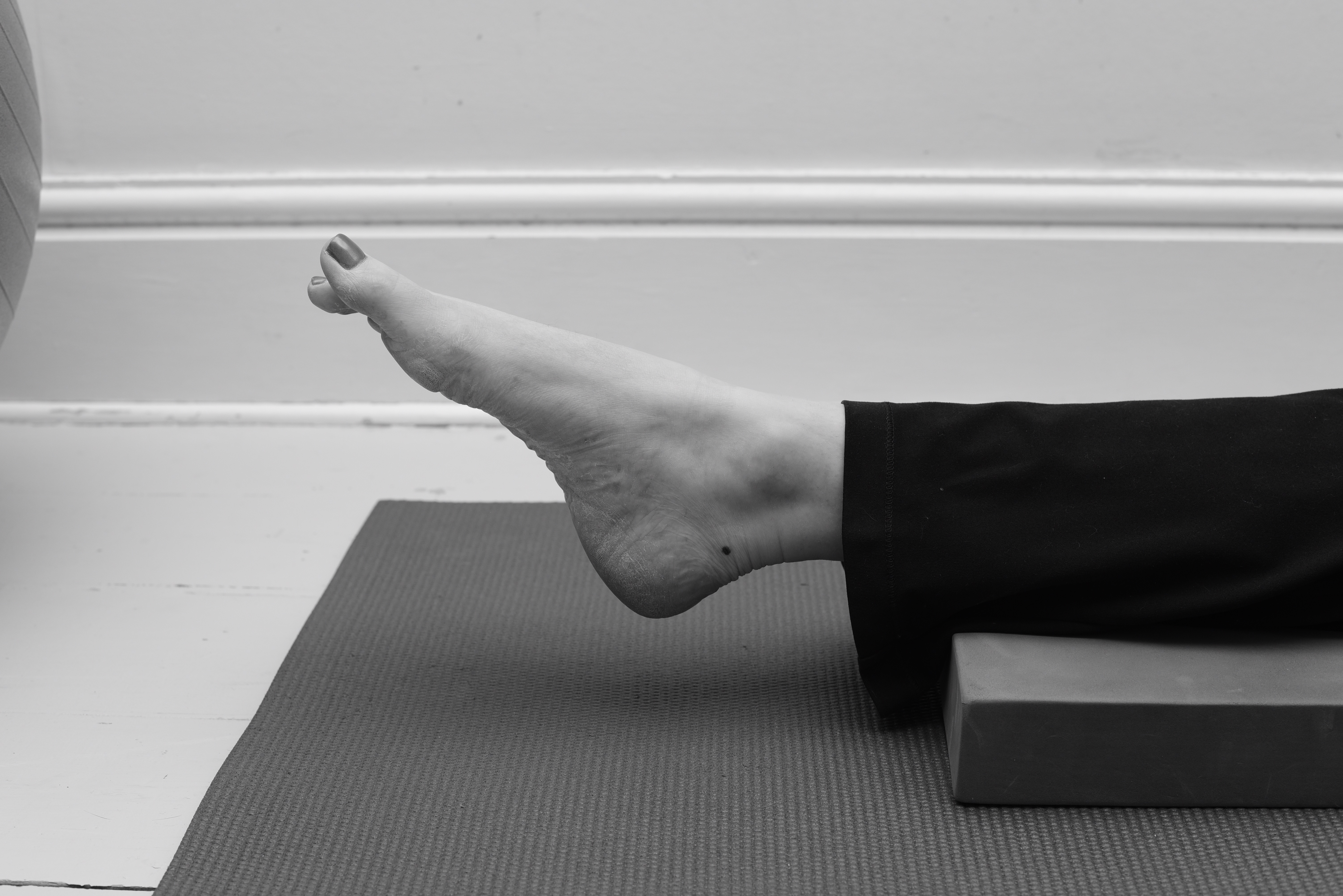 Toes point downwards - ankle exercise
