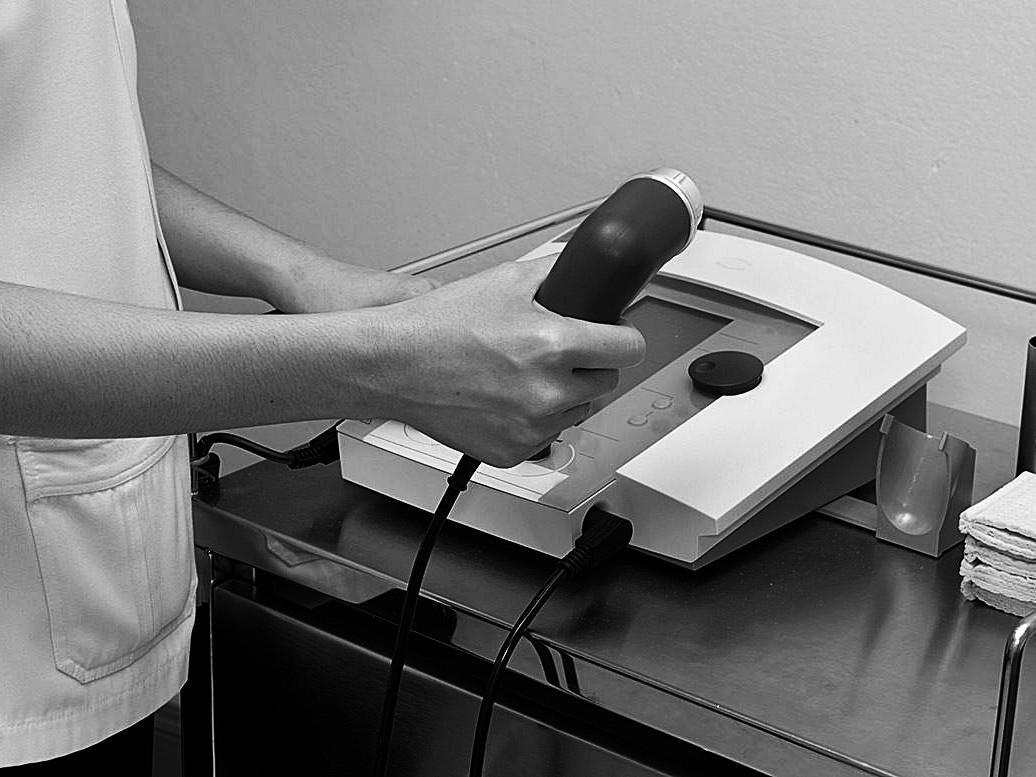Ultrasound treatment with a physiotherapist in Cambridge
